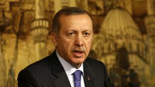 يأتي إعلان أردوغان عن تأييده لمحاكمة الضباط الأتراك قبيل جولته الآسيوية