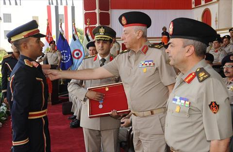 القوات المسلحة تحتفل بتخرج دفعة جديدة من الضباط المتخصصين