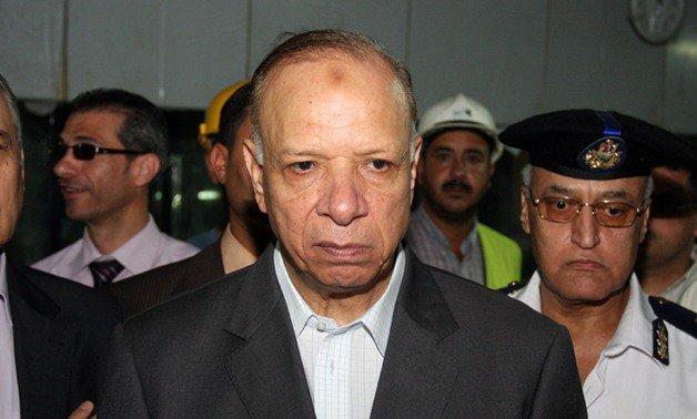 محافظ القاهرة: السيطرة على على تصريف مياه الأمطار بكافة الأحياء.. وتوفير 61 شفاطا