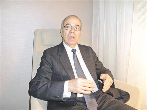 الدكتور مصطفى علوي