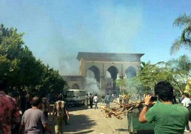 http://www.shorouknews.com/uploadedimages/Sections/Egypt/Eg-Politics/original/Clashes-Azhar-University221730.jpg