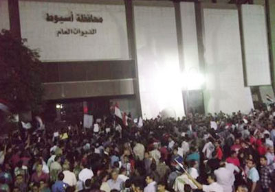 http://www.shorouknews.com/uploadedimages/Sections/Egypt/Eg-Politics/original/Clashes-yesterday-in-Assiut1616.jpg