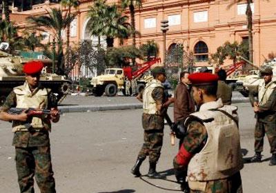 مجهولان يرتديان عسكريا يطلقان النار