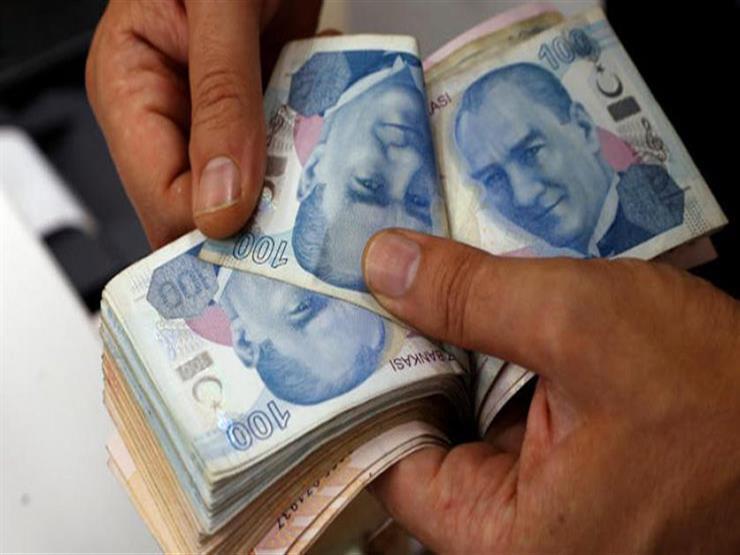 انخفاض الليرة التركية إلى معدل غير مسبوق أمام الدولار