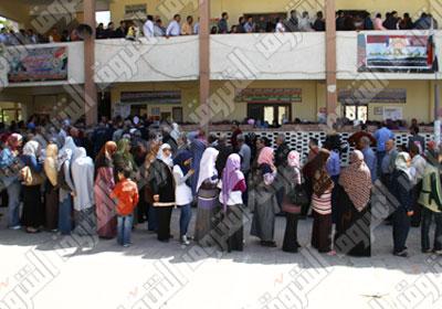 المصريون يدلون بأصواتهم في ثاني أيام انتخابات الرئاسة