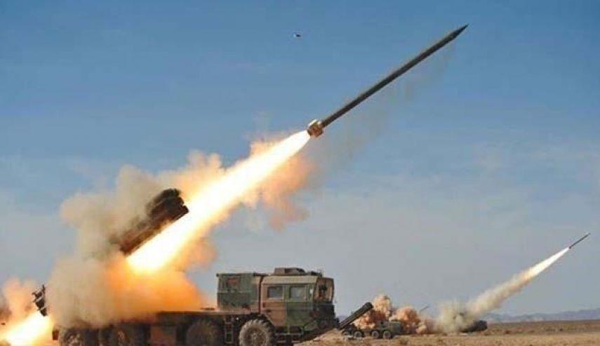 الحوثيون يطلقون صاروخا باليستيا على قاعدة عسكرية جنوب اليمن