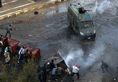 الشرطة تعاملت بعنف مع المتظاهرين بالسويس