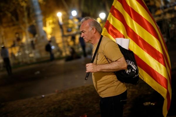 مدريد: رئيس كتالونيا «لا يعرف إلى أين يسير»