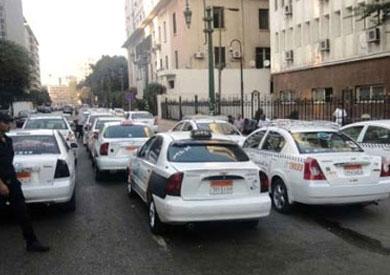 الحكم في دعوى سائقي «التاكسي الأبيض»٢٣ديسمبر المقبل _ أرشيفية