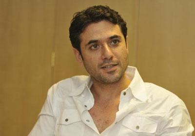 الفنان الشاب احمد عز
