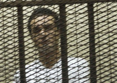احمد دومة فى المحكمة - أرشيفية