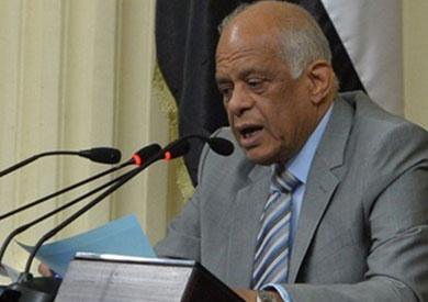 «عبد العال» يطالب الحكومة بتقديم إجابة بشأن مراكب الصيد المحتجزة في اليمن