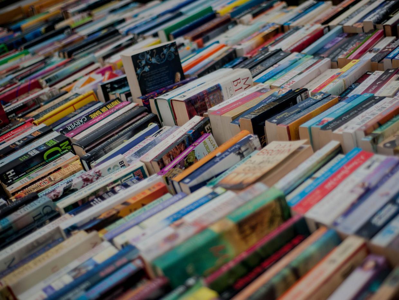 في اليوم العالمي للكتاب.. كيف تقرأ أكثر؟