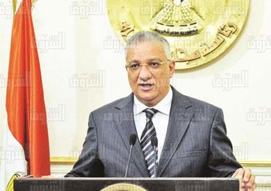 أحمد زكى بدر وزير التنمية المحلية تصوير خالد مشعل