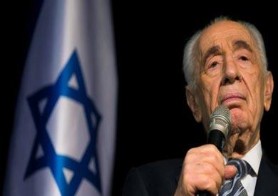 شمعون بيريس من أكثر الشخصيات شعبية داخل غسرائيل ولعب دورا سياسيا مهما طيلة السنوات الماضية.