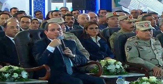 «السيسي» يشهد فيلمًا تسجيليًا عن مناخ الاستثمار في مصر