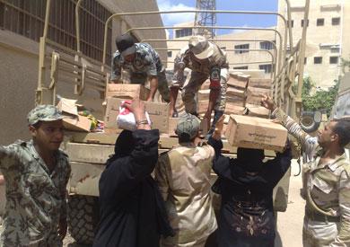 القوات المسلحة توزع 66 ألف كرتونة كعيدية عيد الأضحى للفقراء
