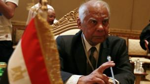 نبذة عن حازم الببلاوي رئيس الوزراء المصري El-beblawi%20reuters_nocredit