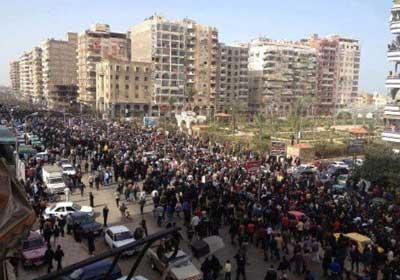 جنازة شهيد في بورسعيد تهتف ضد مرسي والإخوان