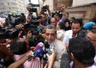 نقيب الصحفيين يحيى قلاش بعد تأجيل محاكمته- تصوير رافي شاكر