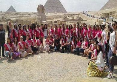 ملكات جمال العالم في الأهرامات