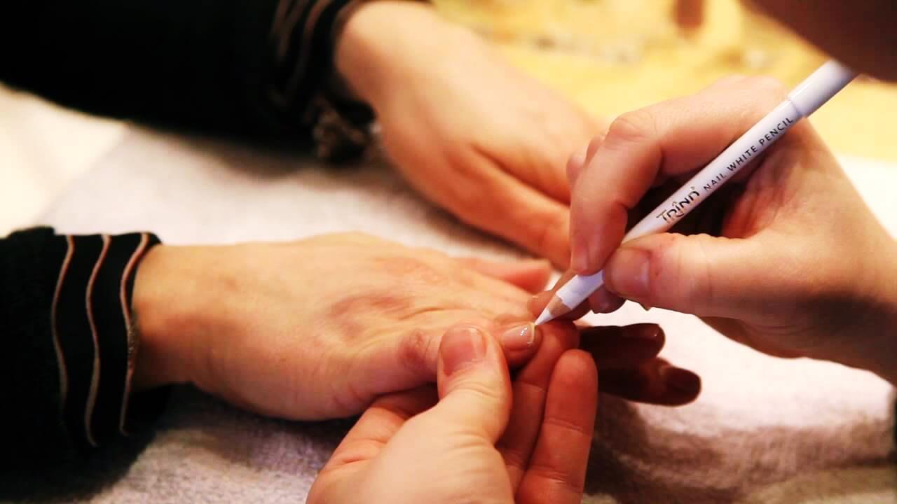 تجربة كريم أظافر جديد مضاد للفطريات