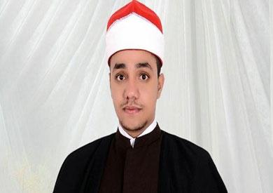 وكيل البرلمان يكرم الطالب عبد الرحيم راضي الفائز بمسابقة القرآن الكريم بماليزيا