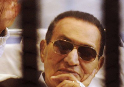 قبل ساعات من الحكم على «مبارك».. جمال عيد: البراءة ستصب في مصلحة «الفلول والإخوان» -