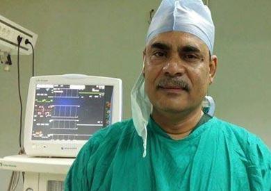 الدكتور جمال عبد الحميد الصغير رئيس قسم جراحة المسالك البولية بطب قن