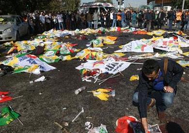 86 قتيلا في تفجيرين استهدفا تجمعا للسلام في أنقرة