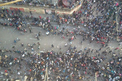 جانب من الاشتباكات فى شارع محمد محمود