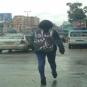سناء سيف تمشي في مسيرة فردية من مصطفى محمود للتحرير
