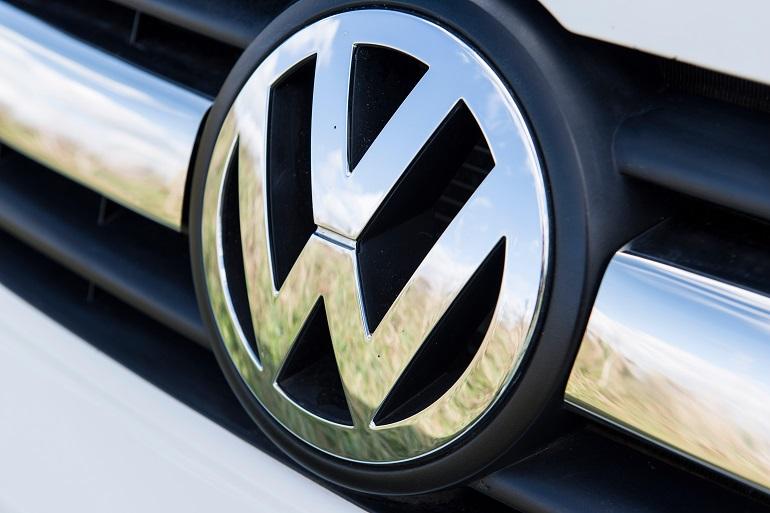 «فولكس فاجن» تعود لتحقيق الأرباح بعد أزمة التلاعب بنتائج الانبعاثات
