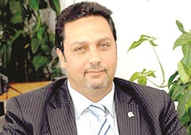 حازم عبد العظيم وزير الاتصالات