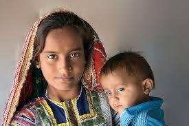 اليوم العالمي للفتاة.. «الطفولة والأمومة
