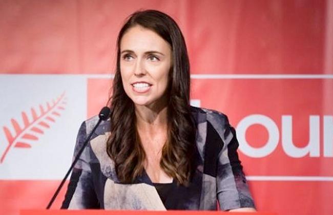 رئيسة وزراء نيوزيلندا تستقبل طفلتها الأولى