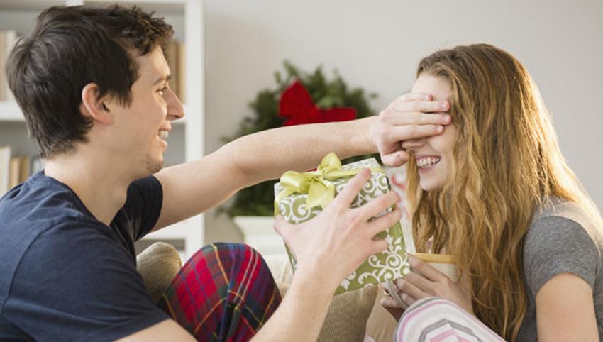 4 مشكلات زوجية يسببها «عيد الحب».. تجنبوها هذا العام