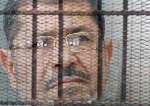 محمد مرسي في قفص الاتهام- أرشيفية