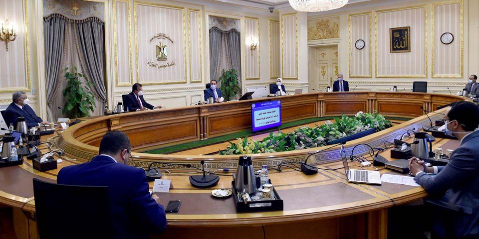 اجتماع رئيس الوزراء مع المجموعة الطبية لمتابعة جهود مواجهة كورونا