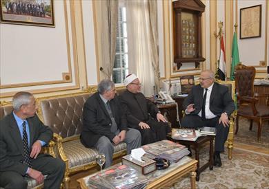 رئيس جامعة القاهرة والمفتي