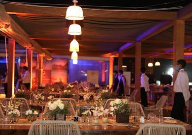 افتتاح أول مطعم في الأهرامات