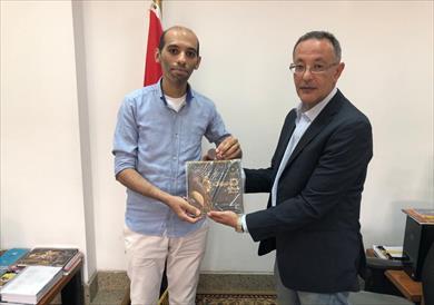 سلم المواطن أحمد عاشور أحمد إهداء إلى المتحف القومي للحضارة