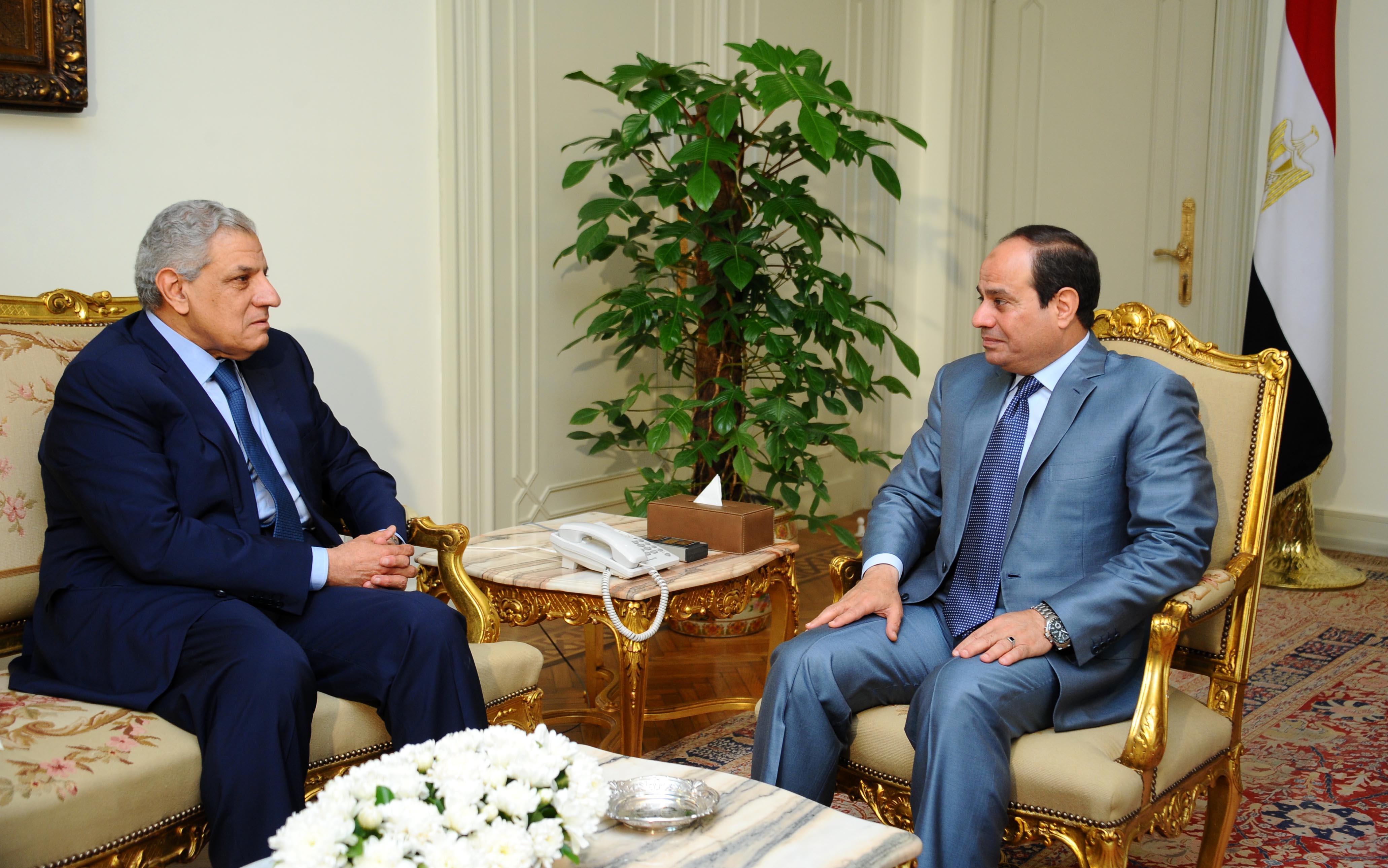الرئيس عبدالفتاح السيسي و المهندس إبراهيم محلب مساعد رئيس الجمهورية