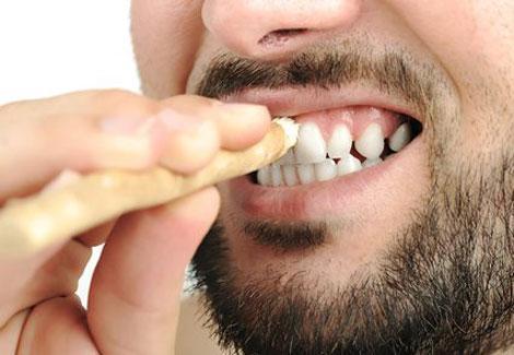 ما حكم استعمال السواك أو معجون الأسنان أثناء الصوم الإفتاء تجيب بوابة الشروق نسخة الموبايل
