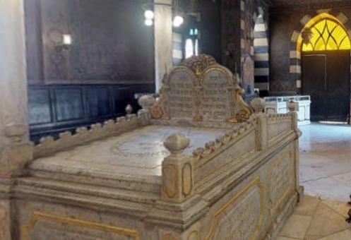 معبد بن عزرا
