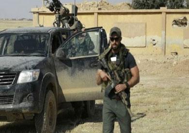نشرت فرانسبرس صورا لمن رجحت أنهم من القوات الخاصة الأمريكية بين صفوف قوات كردية تحارب تنظيم الدولة في سوريا