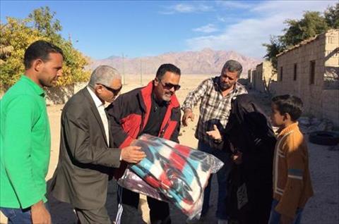 «جنوب سيناء» توجه بضرورة التواصل مع البدو المقيمين في الأودية لحل مشاكلهم