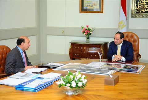 السيد الرئيس يجتمع بالفريق مهاب مميش رئيس هيئة قناة السويس