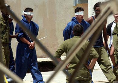 السجن لجندي إسرائيلي أساء معاملة معتقلين فلسطينيين