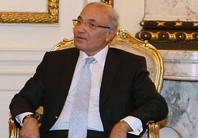 «شفيق» يكلف نائبه «رؤوف السيد» باختصاصات ومسؤوليات «الحركة الوطنية»